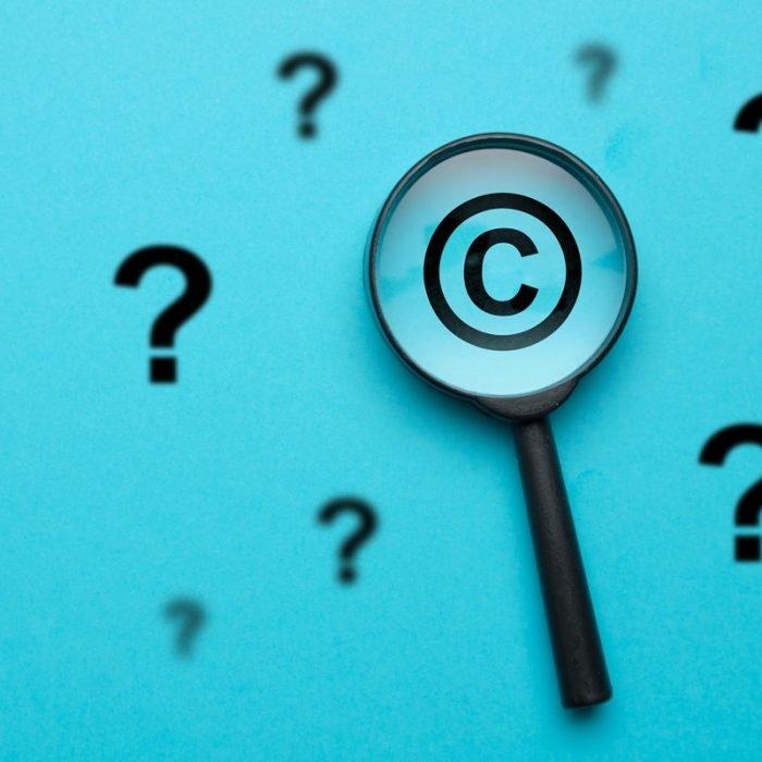 Prawa autorskie - zasady podlupą.